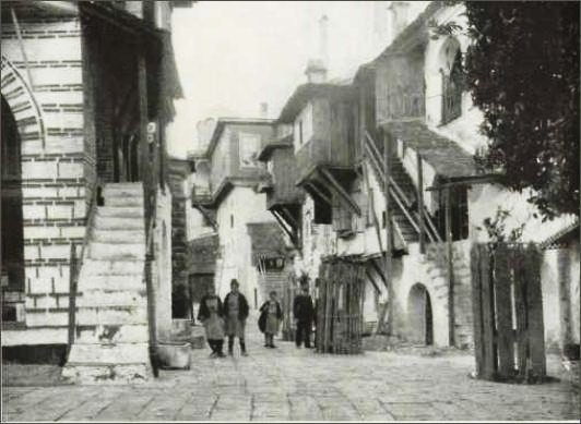 Vatopedi - courtyard, with on the right the guesthouse