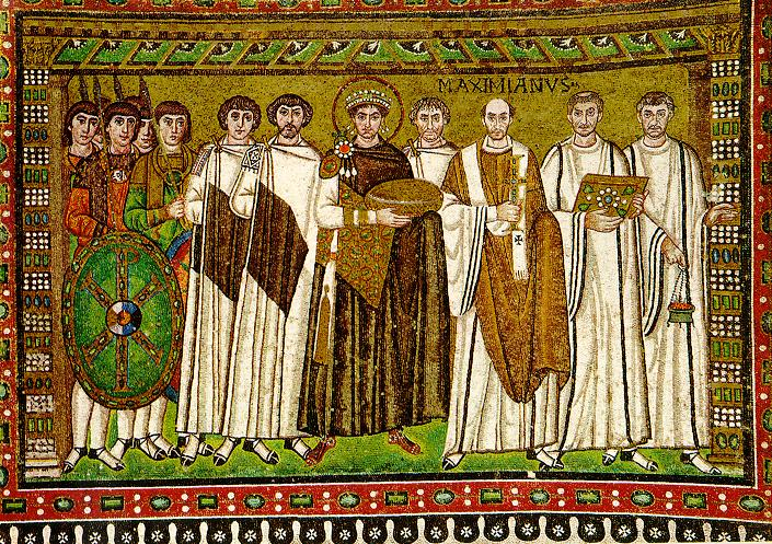 Justinian with his entourage (courtiers and guards), the bishop of Ravenna Maximian and clergy. Mosaic in the church of St. Vitalius in Ravenna (548AD). Ο Ιουστινιανός με την συνοδία του (αυλικούς και φρουρούς), τον επίσκοπο της Ραβέννας Μαξιμιανό και κληρικούς. Ψηφιδωτό στην εκκλησία του Αγίου Βιταλίου στην Ραβέννα (548 μΧ).