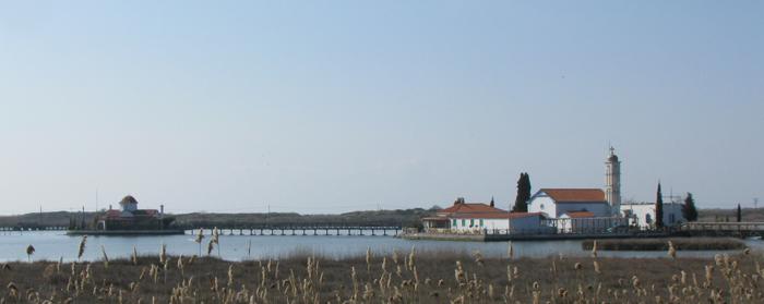 Λίμνη Βιστωνίδα. Ο Άγιος Νικόλαος και η Παναγία Παντάνασσα.