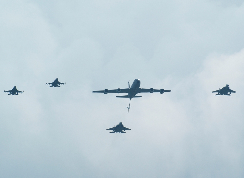 Airplanes F16