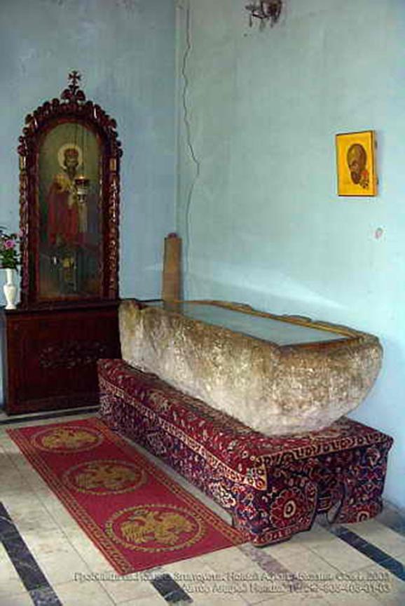 წმინდა  იოანე ოქროპირის საფლავი