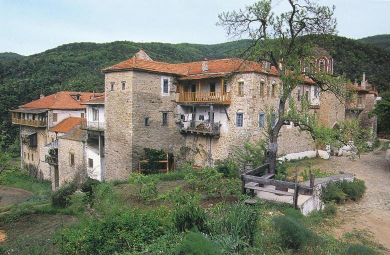 Άποψη της Μονής από βορειοδυτικά. The monastery from the northwest.