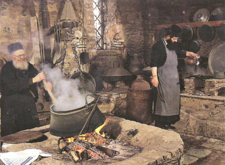 Από την ζωή των μοναχών στην Ιερά Μονή Μεγάλου Μετεώρου.