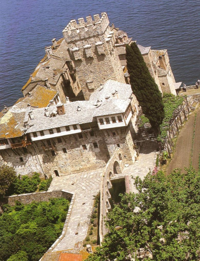 Ιερα Μονή Σταυρονικήτα. Πανοραμική άποψη. Holy Monastery of Stavronikita. A panorama view.