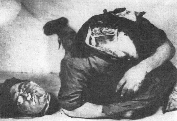 Αποτροπιαστικά καρατομημένο σώμα νεαρού Σέρβου