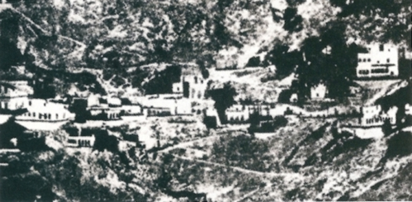 Ο Όσιος Γεώργιος γεννήθηκε το 1901 στην  Αργυρούπολη του Πόντου. Φωτογραφία της ενορίας του Αγίου Γεωργίου στην Αργυρούπολη του  Πόντου