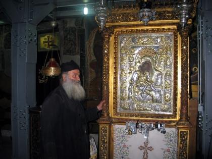 Η εφέστιος θαυματουργός εικόνα του Αγίου Όρους, «Άξιόν Εστιν», στο Πρωτάτο Καρυές