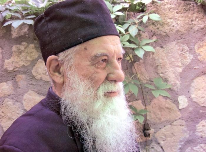 serafeimtousarof: Ο π. Γεώργιος Κάλτσιου ή η κατά Χριστόν τρέλα (με πλούσιο φωτογραφικό υλικό)