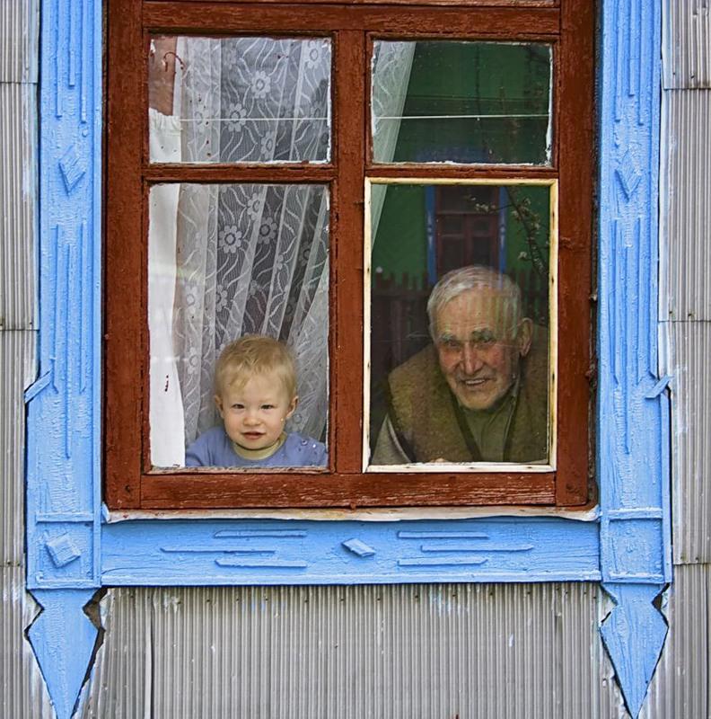 Αντί οι γέροι να γίνουν όπως τα παιδιά, κάνουν τα παιδιά γέρους! (Άγιος Νικόλαος Βελιμίροβιτς)