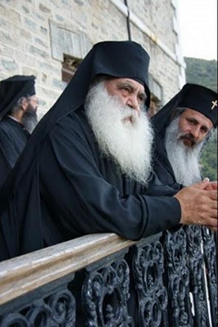 http://vatopaidi.files.wordpress.com/2010/10/mitrop-moldavias-theofanis-gerontas-parthenios-01.jpg