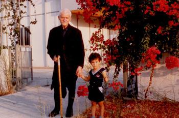 Ο παππούς με παιδάκι