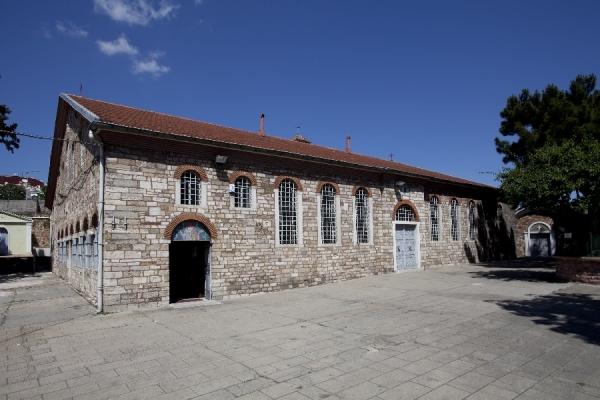 Ο Ιερός Ναός Αγίου Δημητρίου Ταταούλων