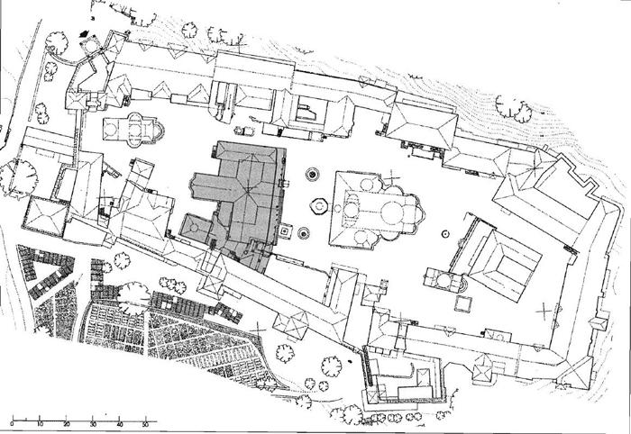 Εικ. 1. Μεγίστη Λαύρα. Τυπογραφικό με ένδειξη της Θέσης του οικοδομικού συγκροτήματος της τράπεζας (Μυλωνάς, Άτλας, πίν. 101.1).