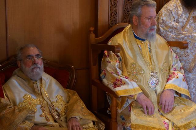 Ο Μακαριότατος Αρχιεπίσκοπος Κύπρου κ.κ. Χρυσόστομος ο Β΄, με τον Πανιερότατο Μητροπολίτη Κιτίου κ.κ. Χρυσόστομο