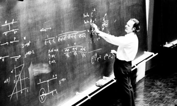 Ο Ρίτσαρντ Φάινμαν, σε διάλεξή του στο CERN, το 1970 (φωτ. CERN)