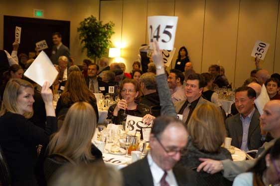 123724-auction2006-live