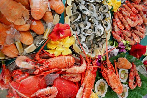 Seafood-Display-θαλασσινά