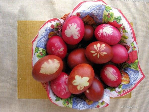 Κόκκινα αυγά-Σχέδια καλάθι