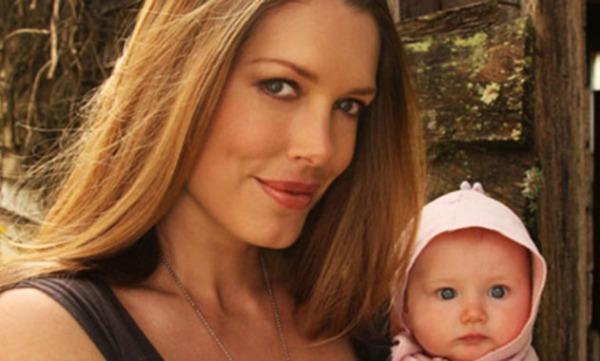 Η Καναδοαυστραλή συγγραφέας και δημοσιογράφος Τάρα Μος, πρέσβειρα καλής θέλησης της UNICEF, δραστηριοποιείται με στόχο τη βελτίωση της υγείας των μητέρων και των παιδιών, καθώς επίσης και για την προώθηση του θηλασμού (φωτ.: www.unicef.org.au)